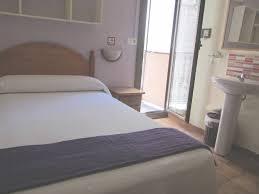 chambre d hote en espagne chambre d hote barcelone espagne chambres d hôtes pension alamar
