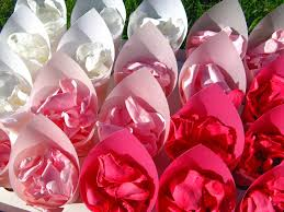 Real Rose Petals The Confetti Blog Ombre Inspiration Wedding Petals And Confetti