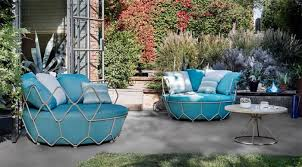 Grande Dame Sofa Gravity Outdoor Swing Sofa With A Luxurious Design Digsdigs