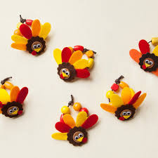 thanksgiving craft for these adorable turkey napkin rings