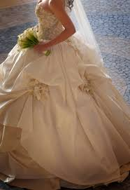 secondhand wedding dresses preowned wedding dresses obniiis