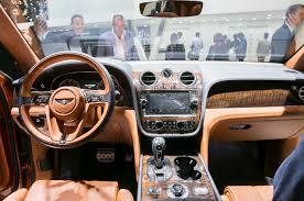 orange bentley bentayga pristatytas greičiausias pasaulyje suv kategorijos automobilis