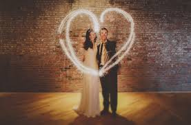 Sparklers For Weddings Let Love Sparkle Romantic Photo Ideas With Fireworks U0026 Sparklers