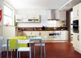 cuisine couleur vanille et la cuisine chantier construction maison en bretagne