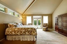 le plafond chambre intérieur de luxe de maison chambre à coucher avec le plafond voûté