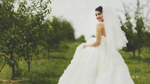 bride wars wedding dress why wedding dresses are so expensive