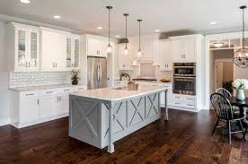 white shaker kitchen cabinets wood floors 4 kitchen designs that make oak flooring shine