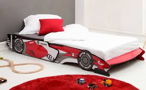 chambre enfant formule 1 lit enfant voiture de course lit 90x190 en forme de formule 1 qui