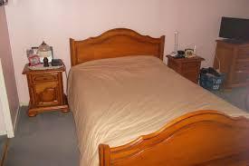 chambre à coucher en chêne massif achetez chambre à coucher en quasi neuf annonce vente à vigneux sur