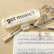 got music pencil case with desk accessories at the music stand