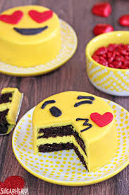 wedding cake emoji emoji cakes sugarhero