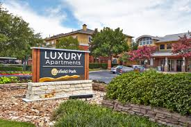 scofield park luxury pet friendly apartments in austin tx the