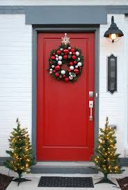Unique Door Decoration For Christmas by 10 Unique Christmas Front Door Decorations Ideas