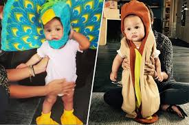 mother and daughter halloween costumes matching chrissy teigen shows off daughter u0027s halloween costumes