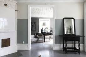 Two Tone Walls With Chair Rail Two Tone Walls With Chair Rail Two Tone Ceilings Bedrooms Ideas
