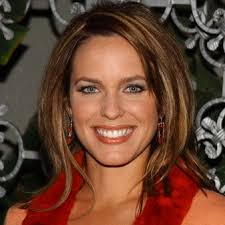 nichole on days of our lives with short haircut arianne zucker s short hair suits well on her