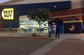 best buy fargo black friday deals mr black friday u0027 is already camping out in avondale earlier t