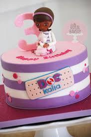 dr mcstuffin cake best 25 doc mcstuffins birthday ideas on doc
