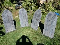 diy pallet tombstones my creations halloween pinterest diy
