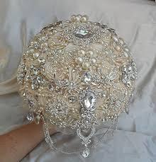wedding flowers toowoomba 37 best wedding bouquet images on wedding brooch