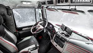 zombie survival truck survive from zombies with the mercedes benz zetros 6x6 vehicle