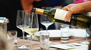 posizione bicchieri in tavola galateo bicchieri mettere i bicchieri in tavola secondo il galateo
