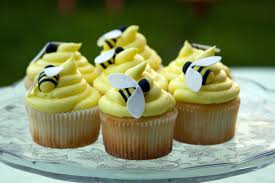 bumble bee cupcakes bumblebee cupcakes cakecentral