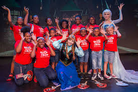 disney u0027s hollywood studios welcomes girls u0027frozen u0027 fun