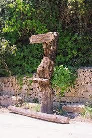 the bible journey jesus is executed by crucifixion