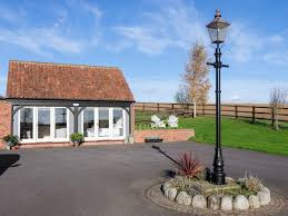 holiday cottages to rent in louth cottages com