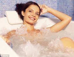 Bathtub Full Of Ice Skip Breakfast And Take A Cold Bath Every Morning The New Diet