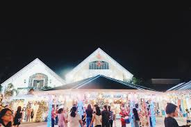 jeep christmas lights discover this house filled with christmas lights in filinvest east