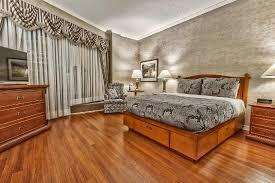 chambre d hotel avec chambre d hôtel avec lit king hotel room with king bed photo de