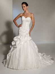 fitted wedding dresses fitted wedding dresses with up skirt