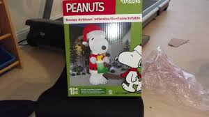 peanuts airblown inflatables gemmy 2016 10ft peanuts snoopy airblown review