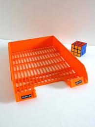 bannettes de bureau bannette de bureau ou corbeille à lettres vintage orange ées 70