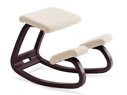 siege assis genou fascinant tabouret de bureau ergonomique assis genoux variable blanc