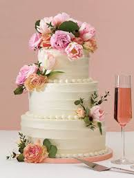 wedding cake buttercream 25 prettiest wedding cakes we ve seen