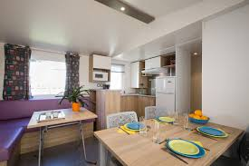 mobil home 4 chambres mobil home 4 bedrooms with a wooden terrace château de galinée