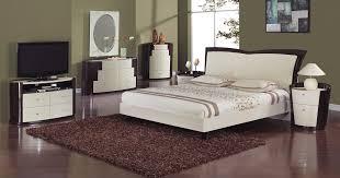 Global Furniture Usa New York Platform Bed Beige Wenge Gf
