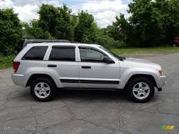 2006 bright silver metallic jeep grand cherokee laredo 4x4