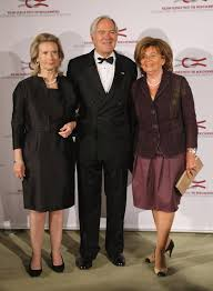 Roland Berger and his wife Karin Berger (L) and Central Council of Jews in Germany head Charlotte Knobloch attend the Roland Berger Award 2009 at the ... - Roland+Berger+Award+2009+0TBy8mf4K2Fl