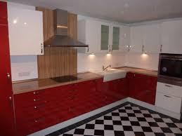 küche retro retro küche in rot weiß schüller fertiggestellte küchen
