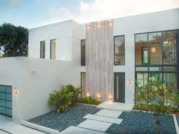 Glass And Concrete House by Tour Floyd Mayweather U0027s 7 7 Million Glass Compound In Miami Beach
