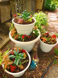 Vegetable Container Garden - combining kale and coleus in a stacked tower container garden