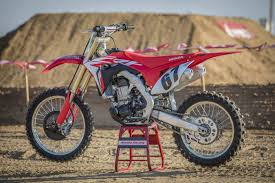 motocross action 21 2018 honda crf450r gncc 2017 honda crf450rx first ride test 11