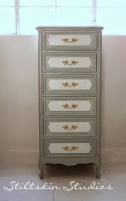 chest i painted with dixie belle chalk paint driftwood dry