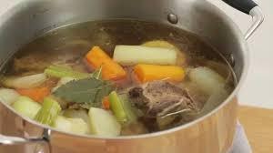 cuisiner un pot au feu recette réconfortante pot au feu tuto cours de cuisine croquons la