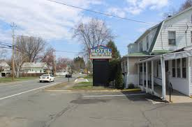 Hotels Near Six Flags Springfield Ma Elm Motel Westfield Usa Deals From 62 For 2018 19