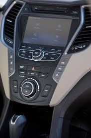 2014 hyundai santa driven 2014 hyundai santa fe pushes value in a crowded segment